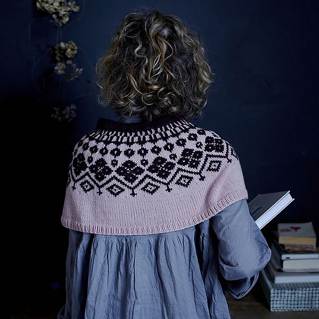 Ravelry: Sweetie Pie Capelet pattern by Claire Montgomerie for Loop London