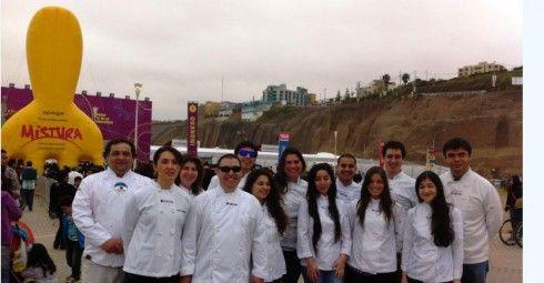 Alumnos de cocina de INACAP realizaron visita a feria Mistura en Perú