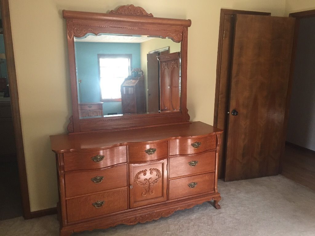 Lexington victorian sampler door triple dresser base w - Lexington victorian bedroom furniture ...