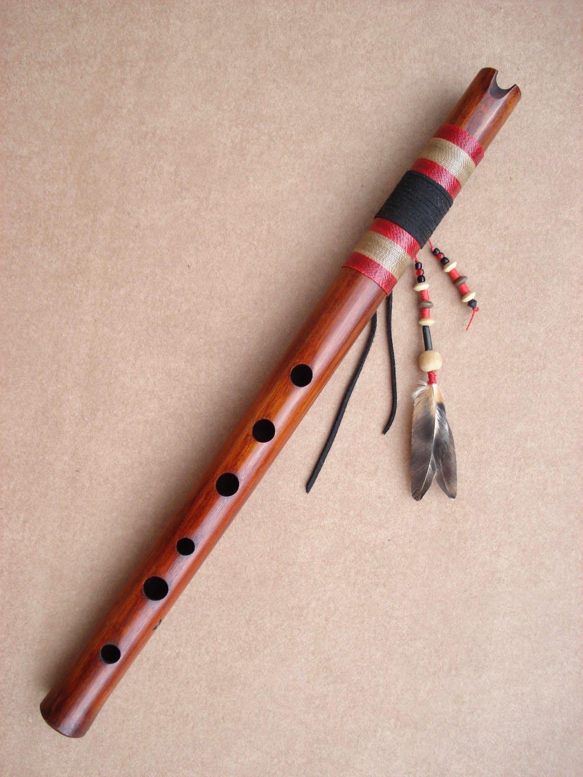La Quena es una instrumento musical de Bolivia. Espero que listes a musico de Bolivia en el país.