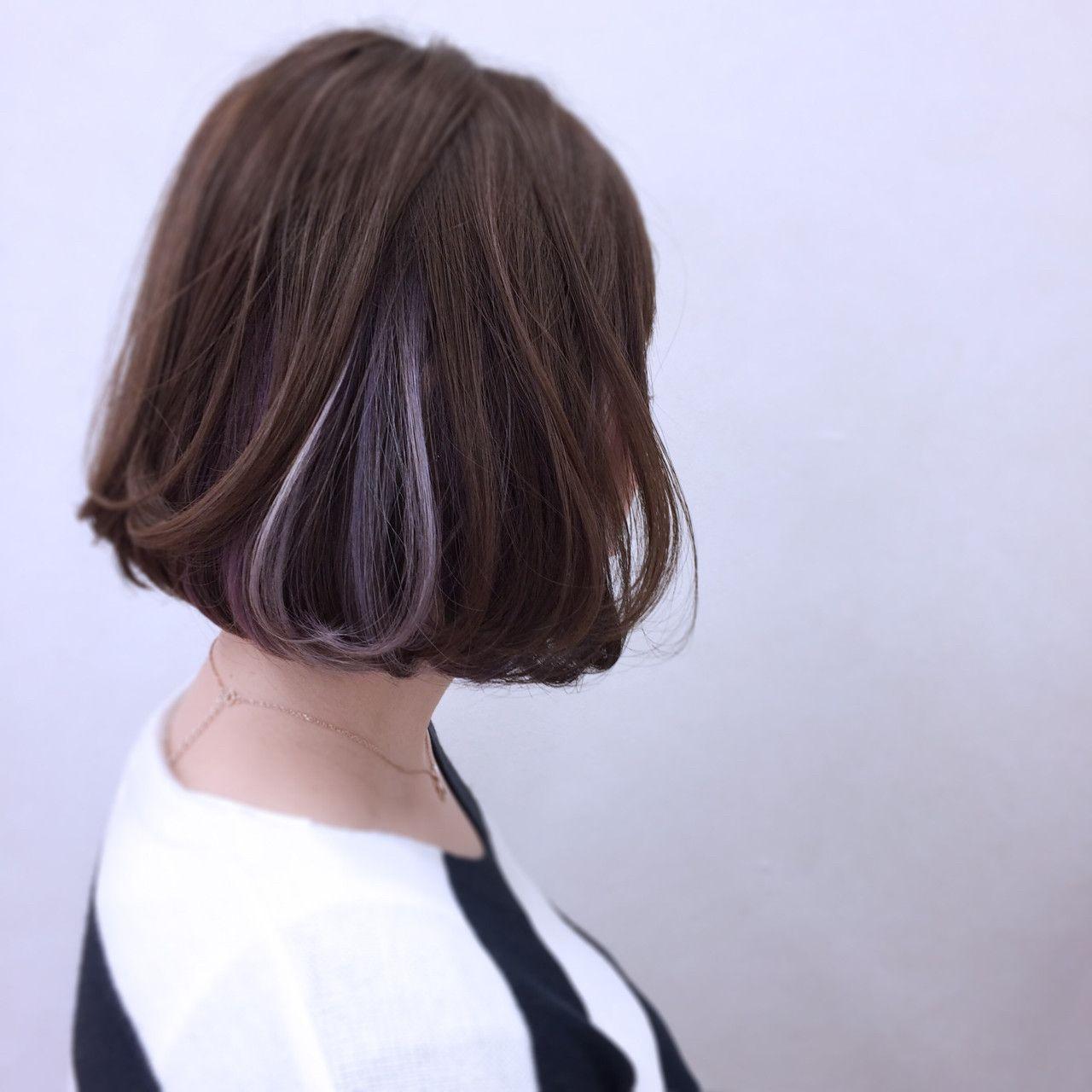 紫のアンサンブルインナーカラー インナーカラー ボブ 髪 色