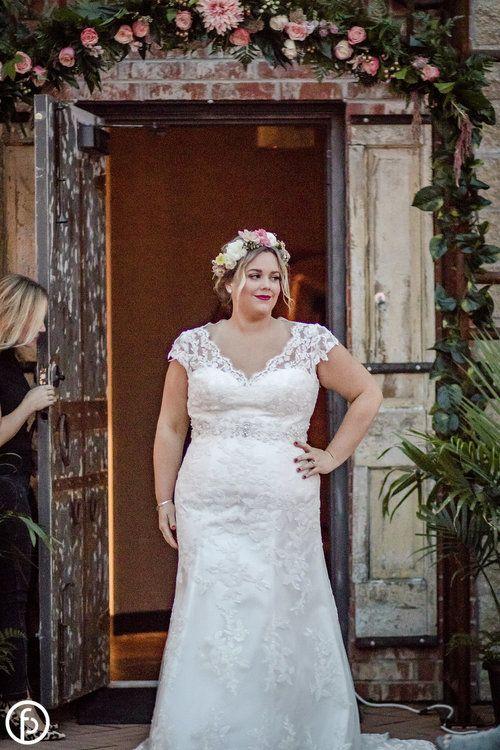 Plus Size Wedding Dress Kansas City All My Heart Bridal Allure Bridals Studio Lev Off White Wedding Dresses Gorgeous Wedding Dress Wedding Dresses Simple