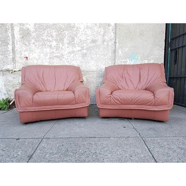 Dusty rose vintage #leather #loungechairs #loungers #Regram via ...