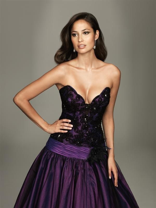 Sexy A-line Sweetheart Black Lace Floor-length Taffeta Purple Prom Dresses