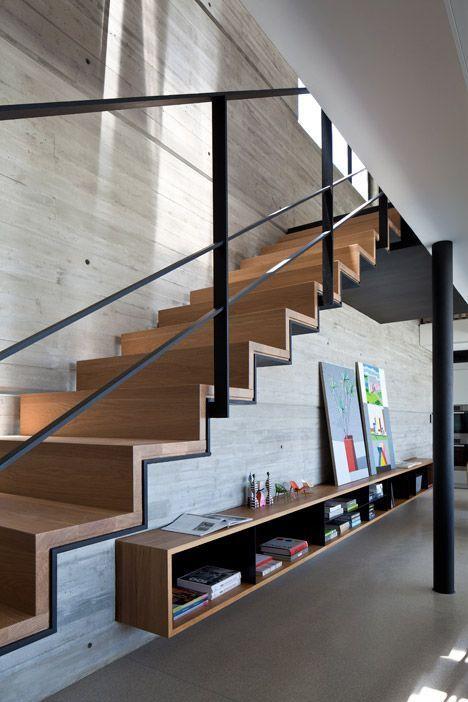 Escalier en bois dans un intérieur contemporain | La ligne droite ...