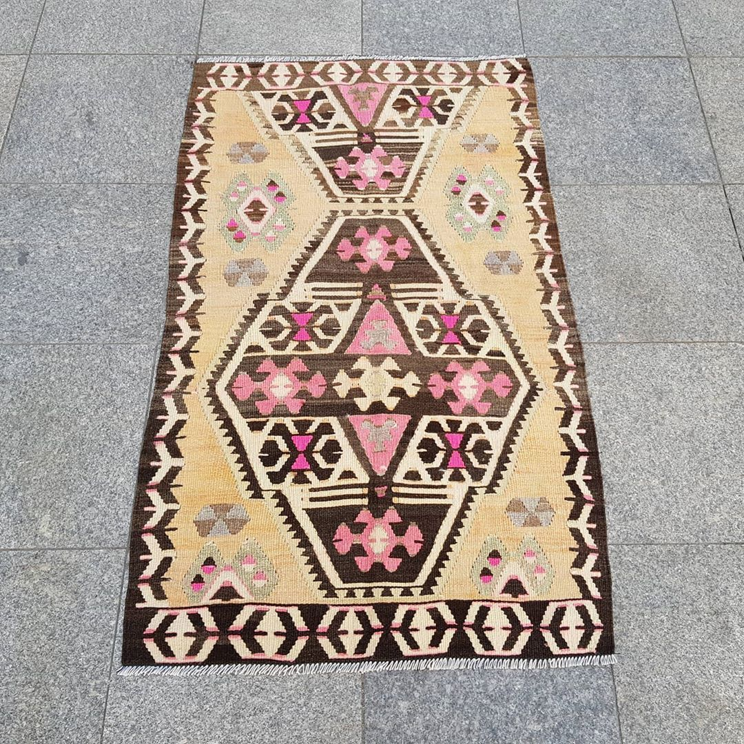 Rug Store Blue Moroccan Rug Designer In 2020 Rug Store Cheap Rugs Rugs