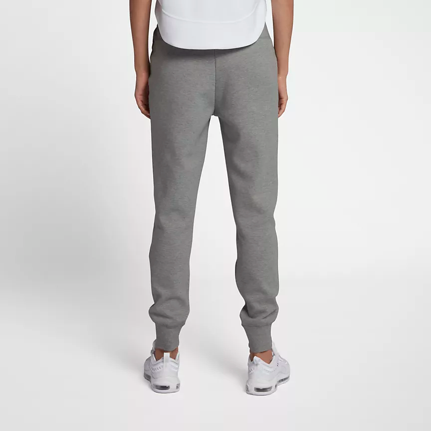 Nike Sportswear Tech Fleece Women's Pants.