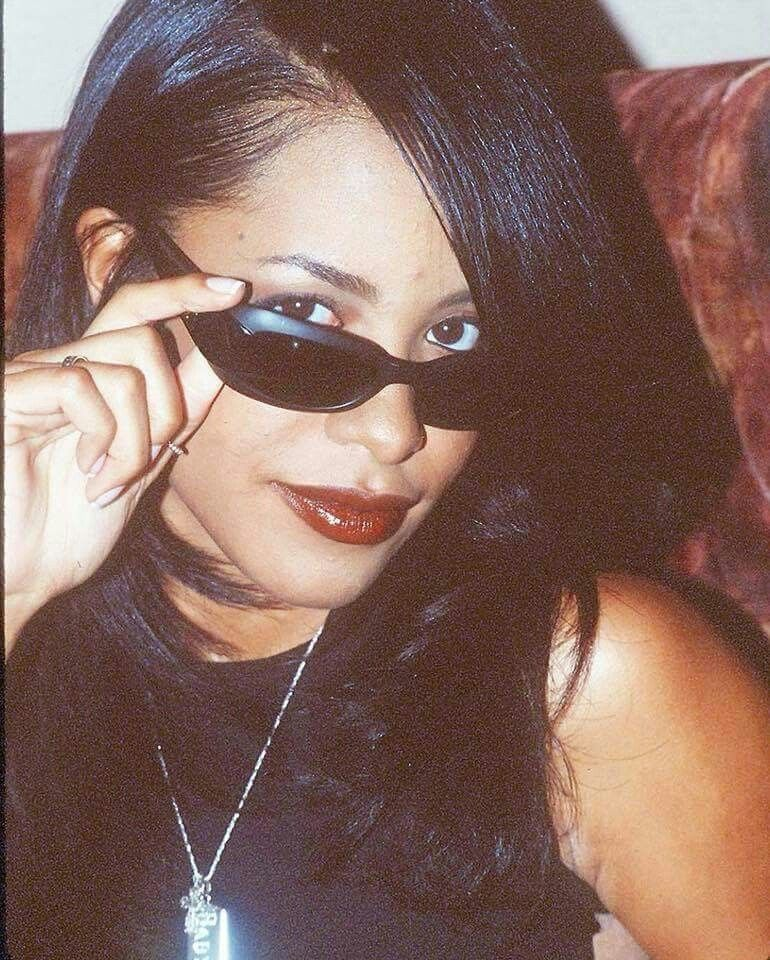 34a29ebcf3fab Aaliyah s sunglasses