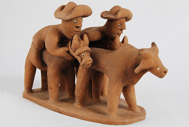 Vaquejada, de Vitalino Pereira dos Santos, ou Mestre Vitalino. #decoracao #artesanato #ceramica #escultura #arte #popular #brasil