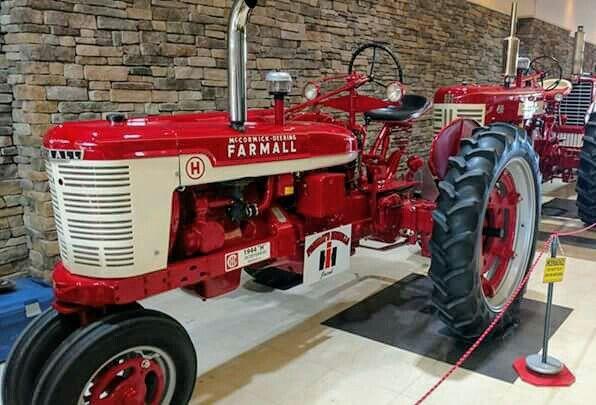 Mccormick Farmall H She S Pretty Farmall Farmall Tractors Tractors