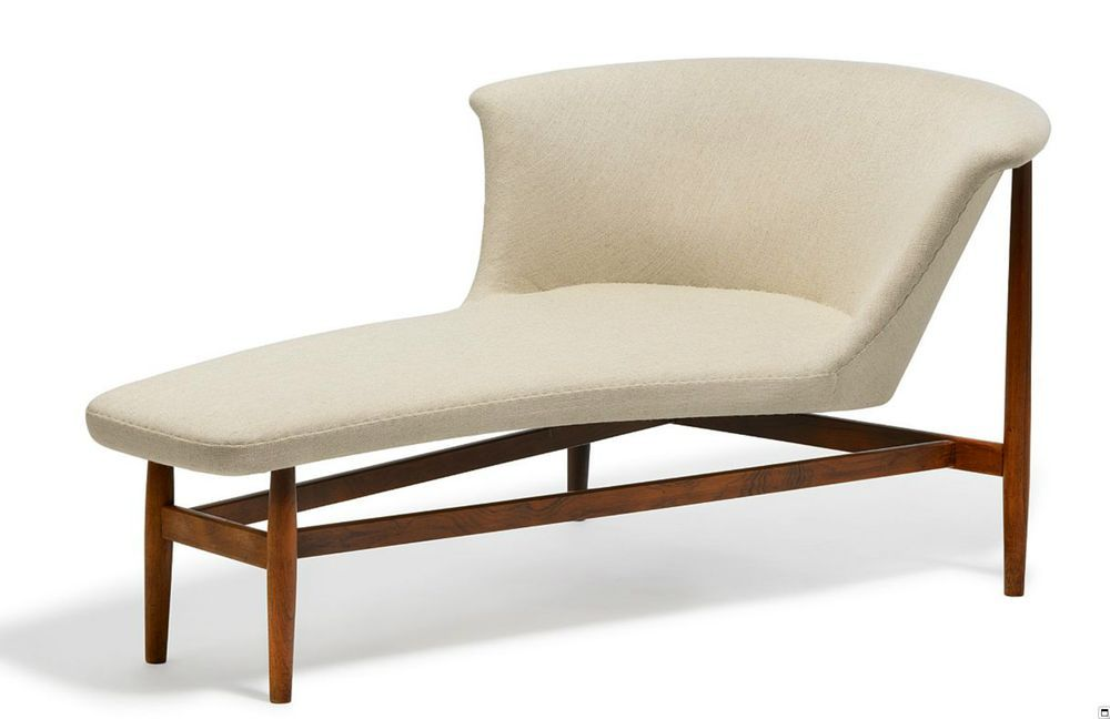 Chaiselongue In Rosewood And Sandcoloured Woll Nd 07 Nanna Och Jorgen Ditzel 1951 By Knud Willadse Furniture Design Modern Iconic Furniture Chaise Longue