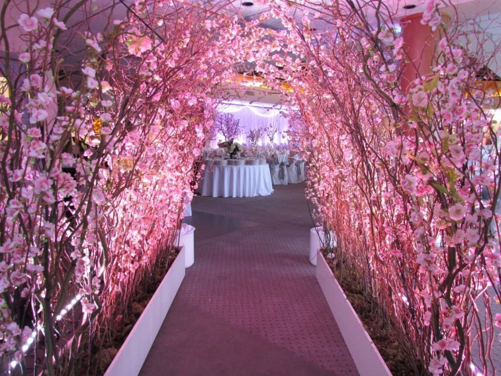 17 Beauty Of A Cherry Blossom Theme Party Weddingtopia Cherry Blossom Wedding Theme Blossom Tree Wedding Cherry Blossom Theme