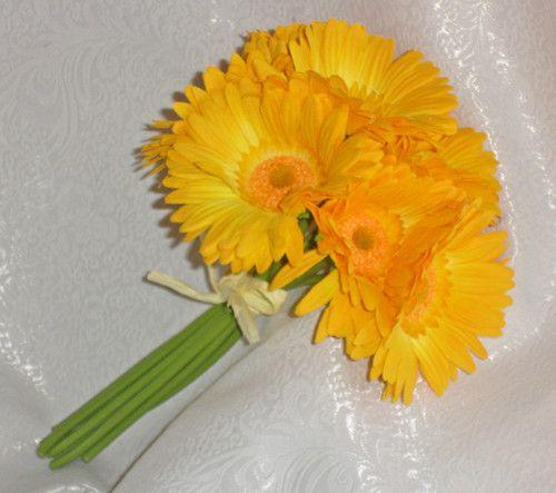 small daisy bridesmaid bouquets - Google Search