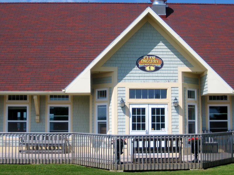 Clam Diggers Beach House & Restaurant Price point: mid-high