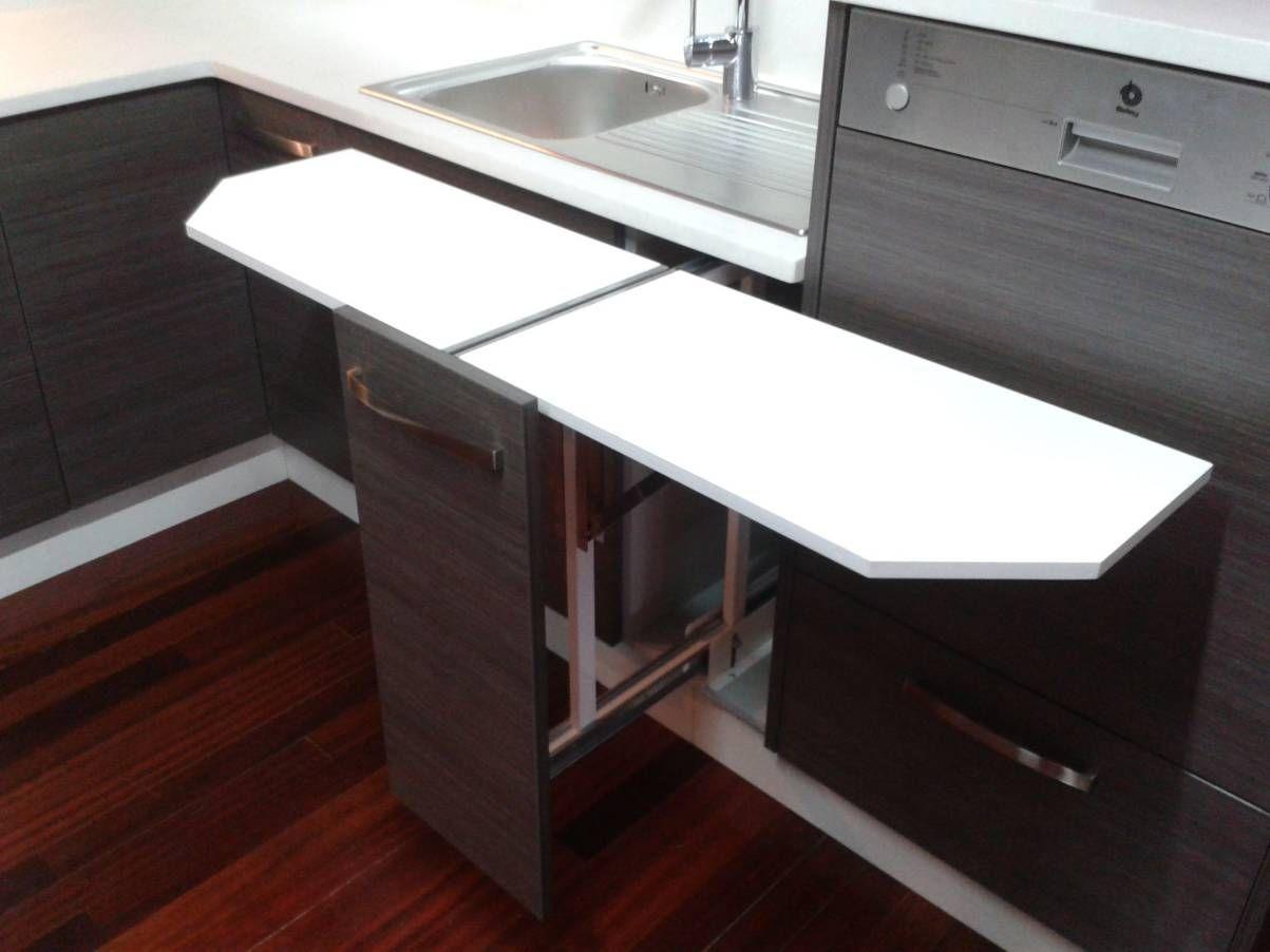 Mesa extraible bajo encimera buscar con google carpinteria e ideas a fin pinterest bajos - Mesa extraible cocina ...