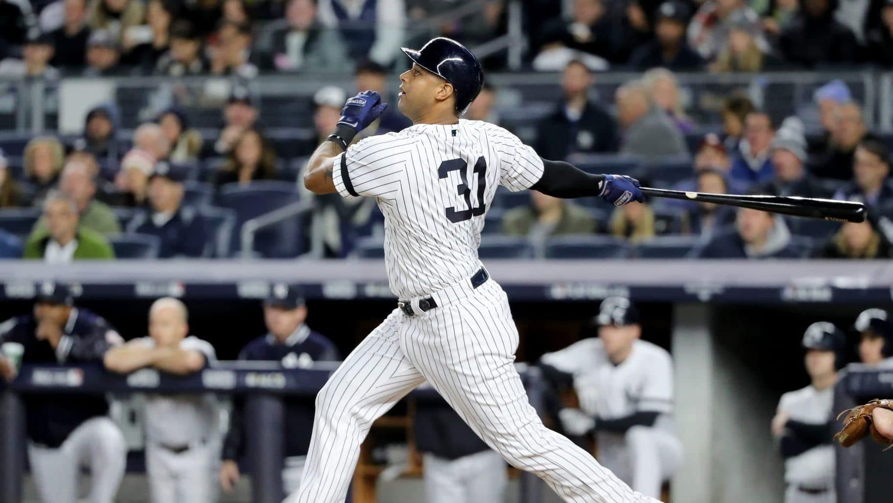 The New York Yankees Need To Extend Aaron Hicks Before His Price Gets Too High In 2020 And They Risk Losing Him On The Open M New York Yankees Yankees New York