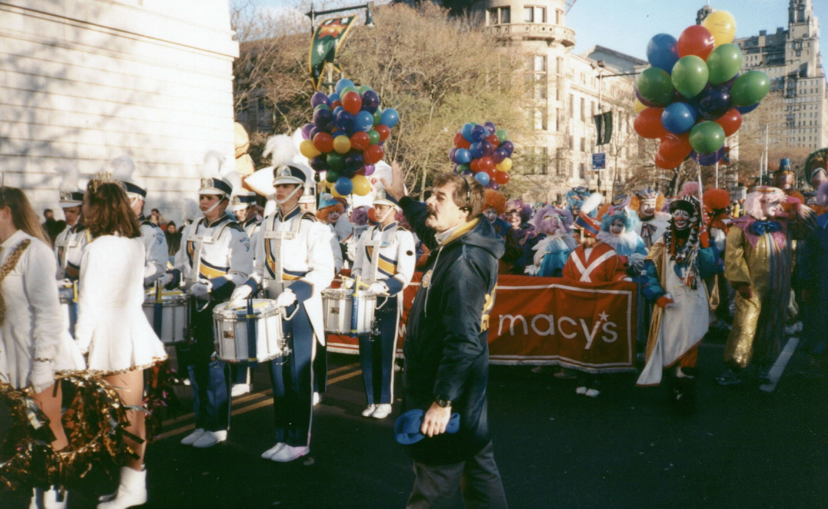 1997 Macy S Thanksgiving Day Parade Lead Band Preparing For The Nbc Tv Opening Segment Macy S Thanksgiving Day Parade Thanksgiving Day Parade Marching Band