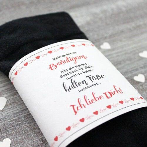 DIY Brutigam Socken gegen kalte Fe  Hochzeit
