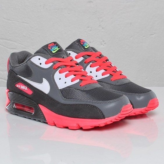 Nike Air Max 90 Article number: 325018 046 Metallic Dark Gris