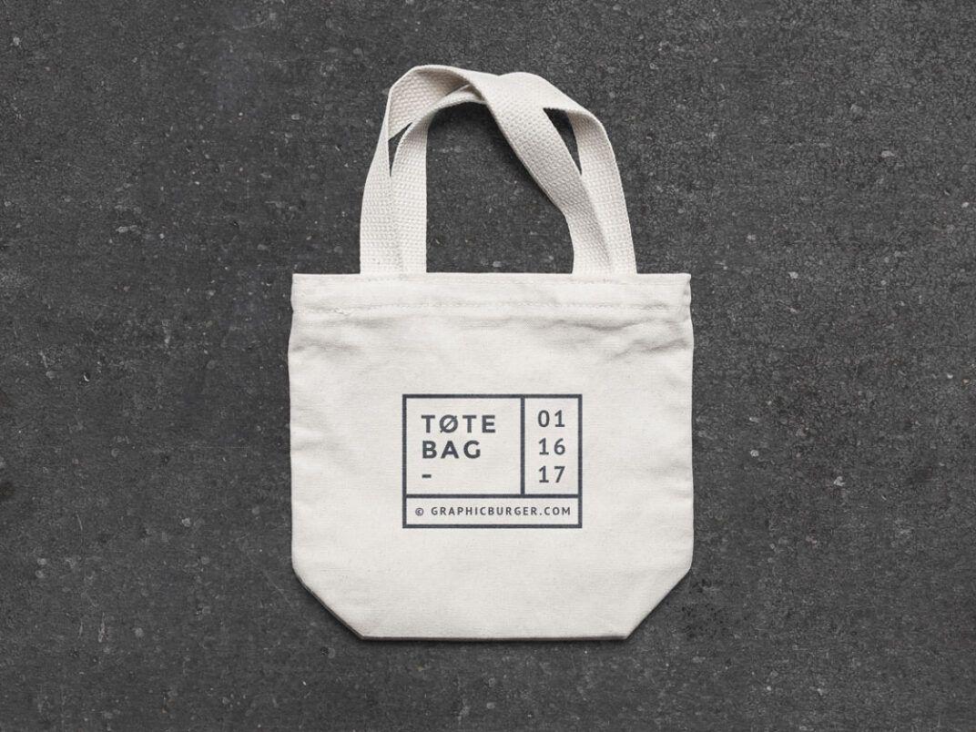 Download Small Canvas Tote Bag Mockup Mockup World Small Canvas Bags Tote Bag Bag Mockup