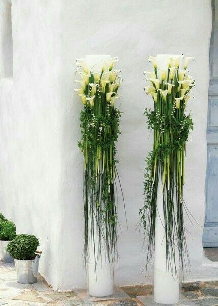 Bonito arreglo/pedestal con alcatraces Arreglos florales en 2018