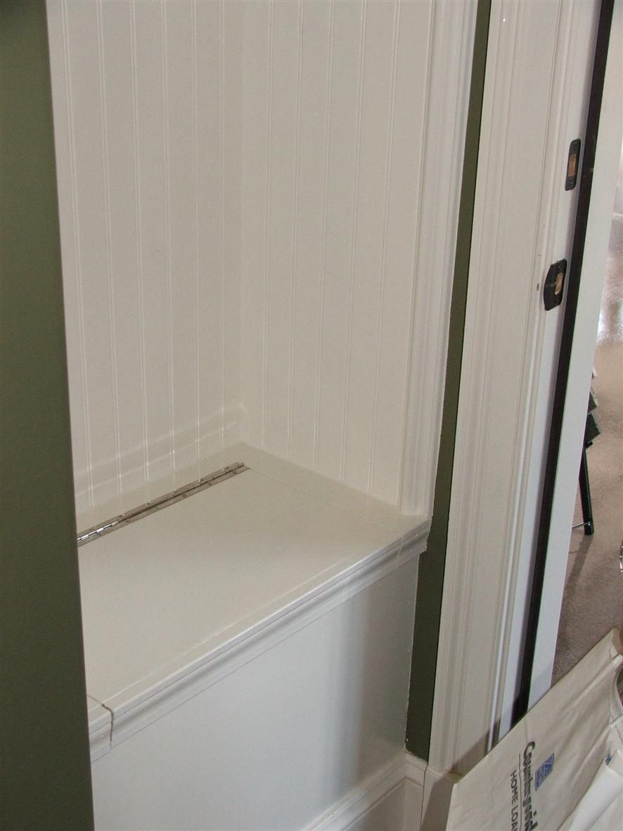 Great built in bench craft ideas pinterest bench for Basement mudroom ideas