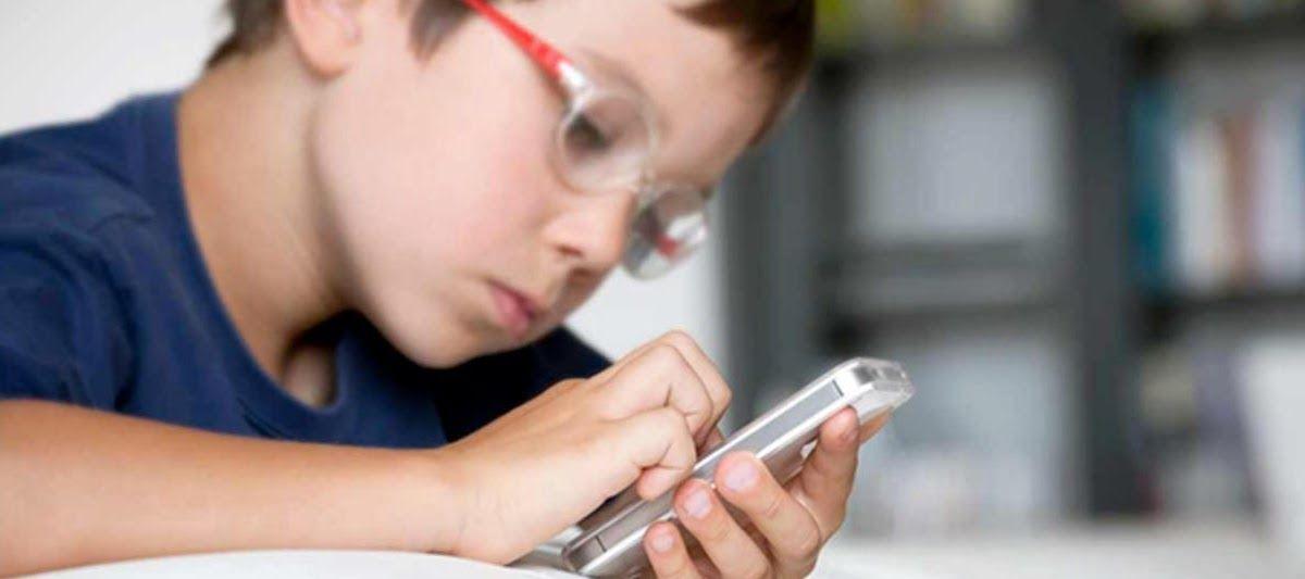 التكنولوجيا والأطفال نصائح تساعد الأهل بجعلها صحية يصادف الكثير من الآباء وأولياء الأمور حيرة حول تعاطي