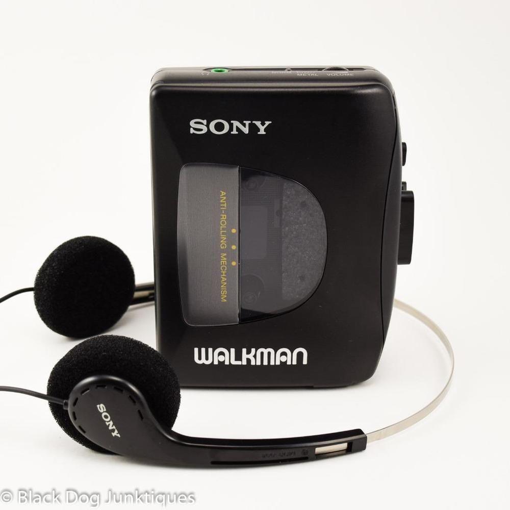 Sony Walkman Cassette Player With Headphones Wm Ex10 Belt Clip Tas Backpack Premium Old Steelseries Orange