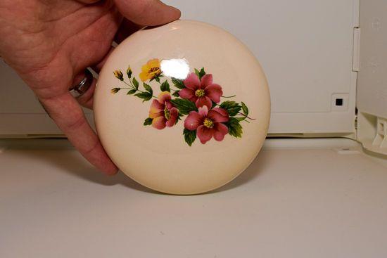 Keen Crafts Painted Flower Glass Powder Jar /Dish