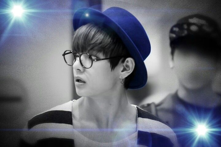 My fast edit of Taehyung haha ! I loved the original pic I found on tumblr so much and thought it'd be nice to edit it grey-blue ~ Hope ya'll like it as much as I do  #Taehyung #V #BTS #edit
