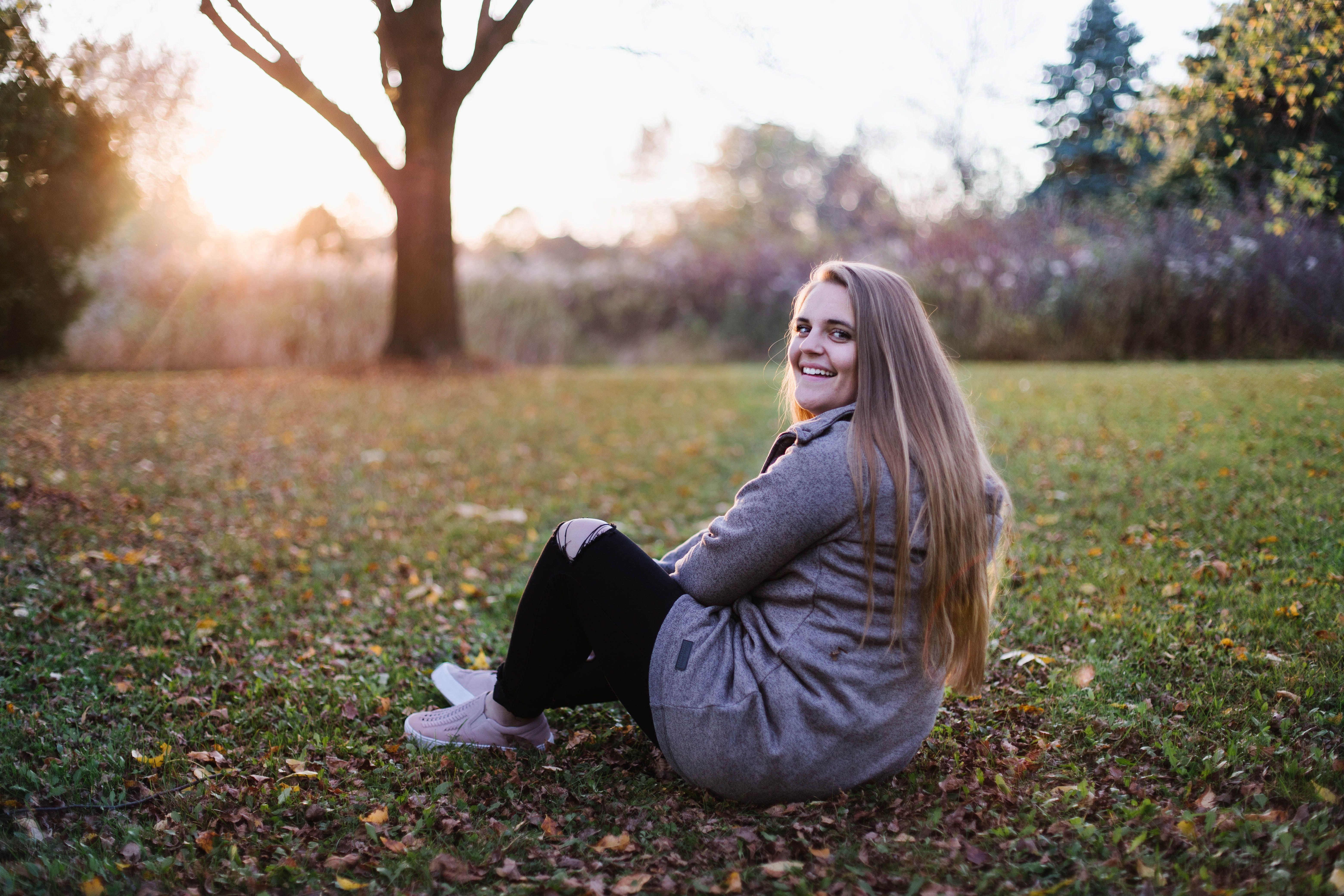 Senior portrait photographer in Appleton, Wisconsin