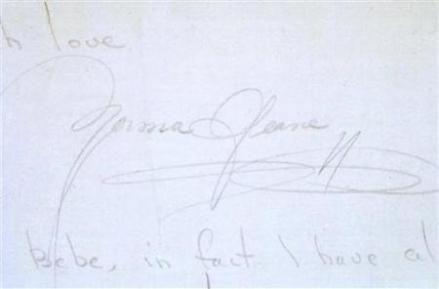 La firma de Norma Jeane, quien luego firmaría como Marilyn Monroe.