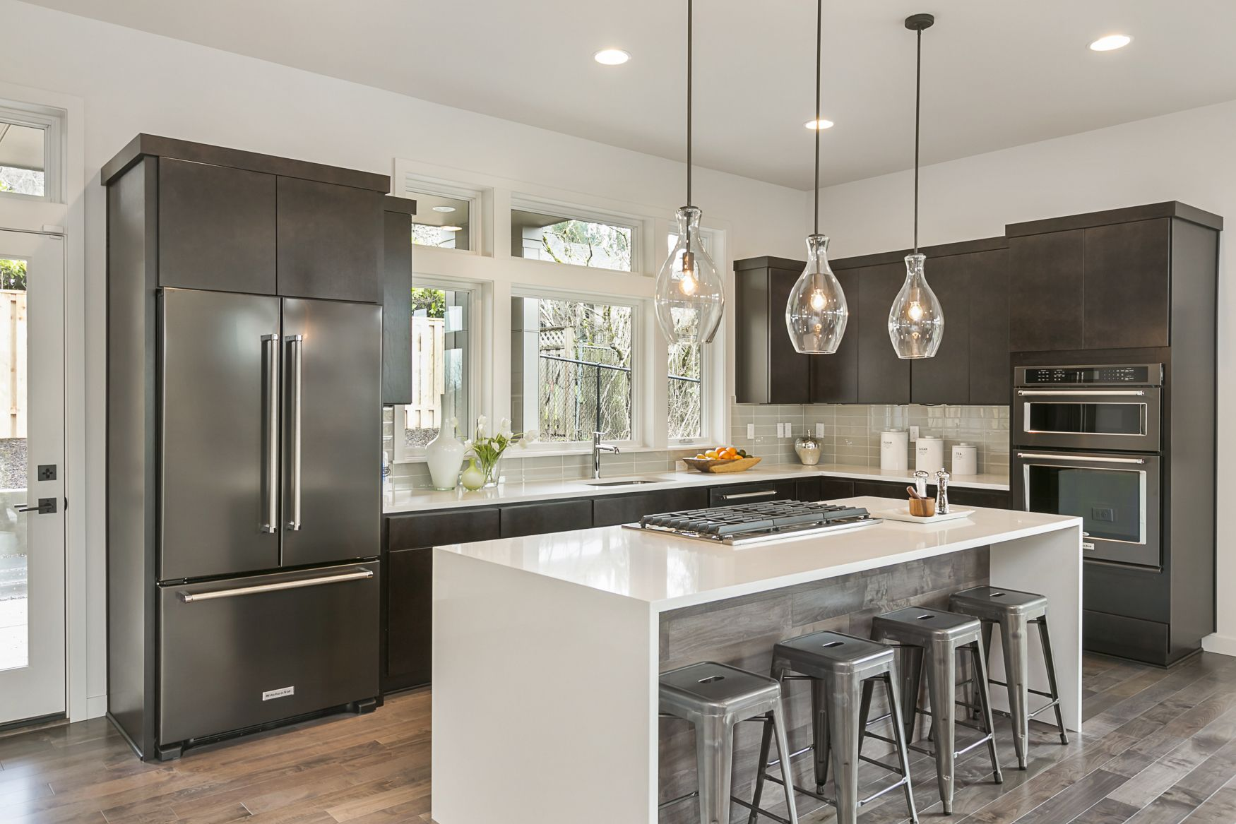 beautiful modern kitchen grey and white with dark cabinets kitchen design small kitchen on l kitchen interior modern id=27230