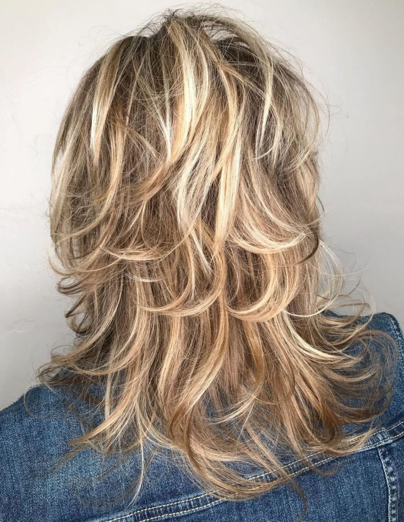 60 Lovely Long Shag Haircuts For Effortless Stylish Looks In 2020 Long Shag Haircut Long Shag Hairstyles Long Thin Hair
