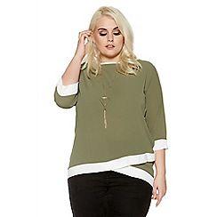 Quiz - Green curve contrast 3/4 sleeve necklace top
