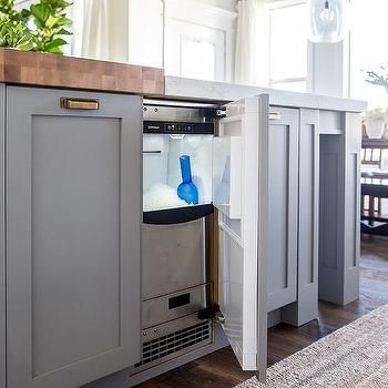 Island with Built In Ice Maker | Beach House Ideas in 2019 ...