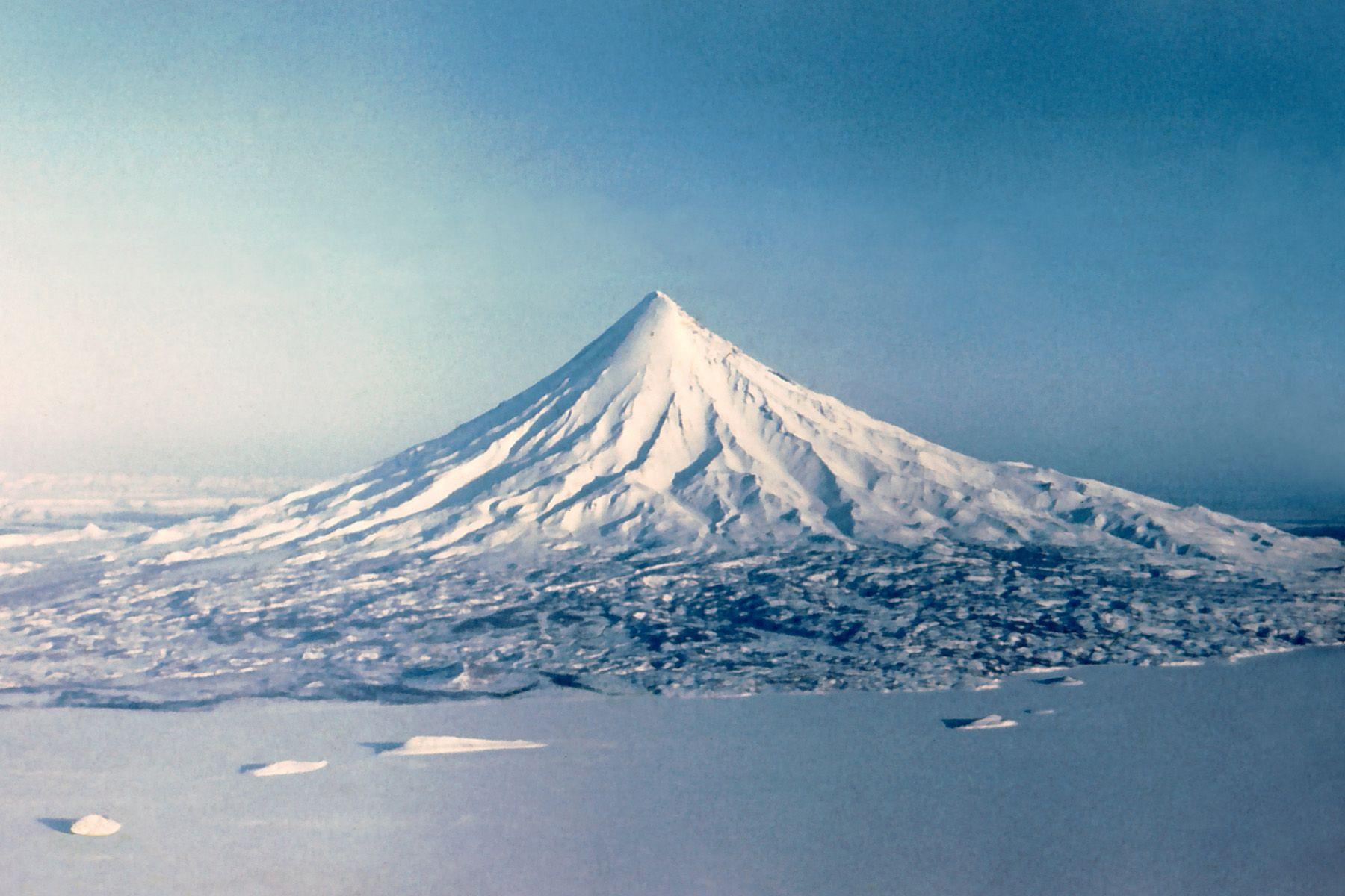 En que península se atopan as Montañas Khibiny