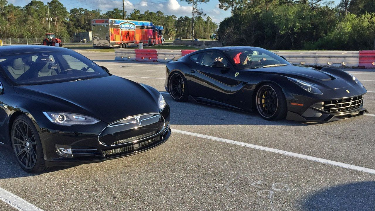 Tesla Model S P85d Vs Ferrari F12 1 4 Mile Drag Racing Goruntuler Ile Araba