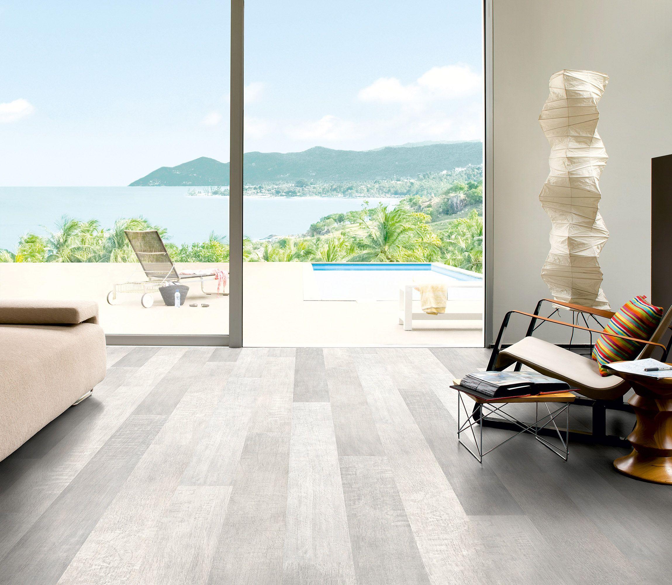 QuickStep flooring Wood laminate flooring, Oak laminate