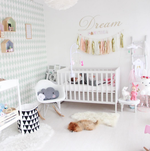 D co chambre bebe fille d co baby pinterest d co for Belle chambre fille