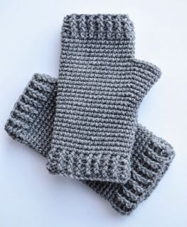 Men's Fingerless Gloves at Over The Apple Tree #menscrochetedhats