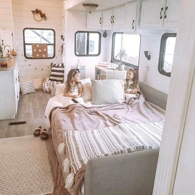 Full Time RV Living Families You Should Follow on Instagram -  77 Full Time RV Living Families You