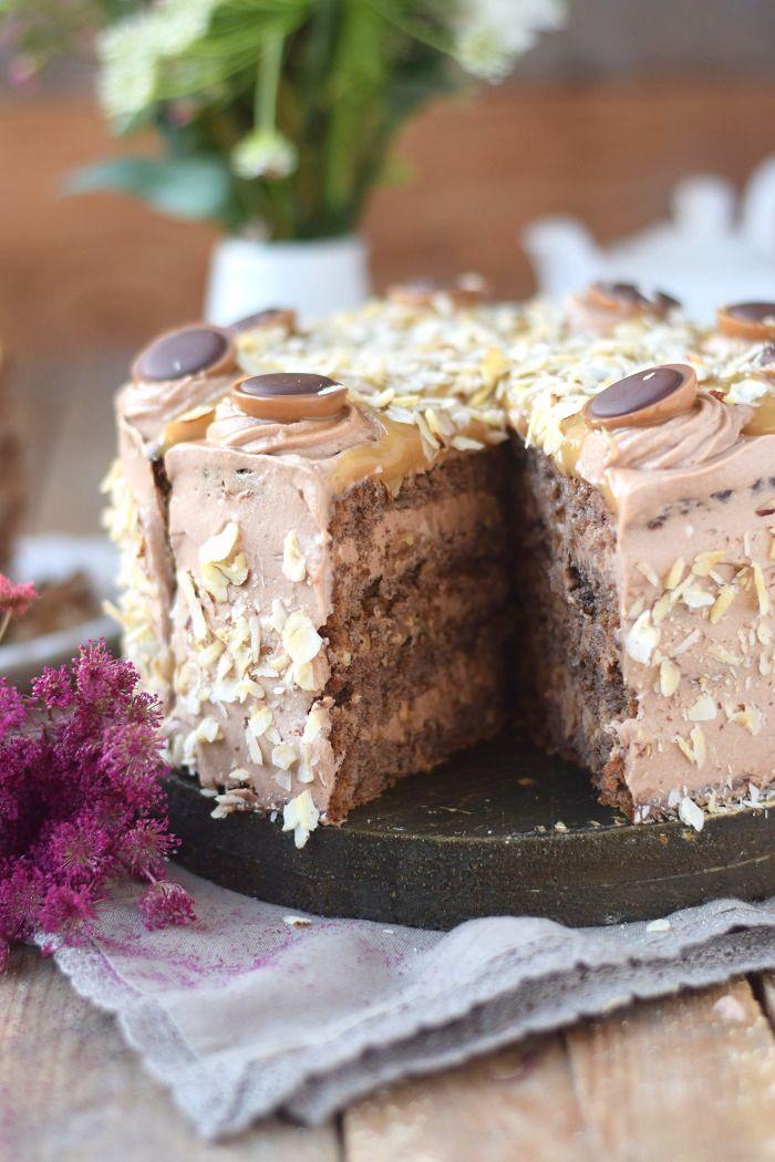 karamell nougat haselnuss toffifee torte caramel hazelnut chocolate cake kuchen pinterest. Black Bedroom Furniture Sets. Home Design Ideas
