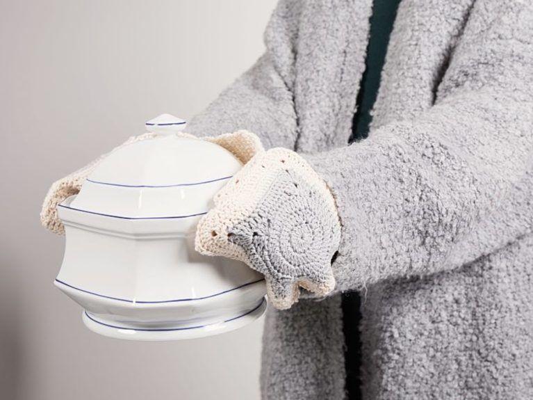 Tutoriale DIY: Cómo hacer agarradores de ganchillo unidos en una sola pieza vía DaWanda.com