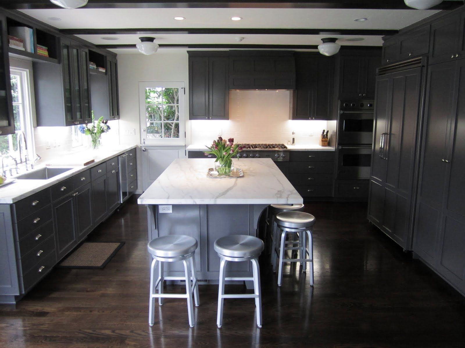 Dark Gray Kitchen Floors Httpwebtopcom Pinterest Grey - Dark grey cabinet paint
