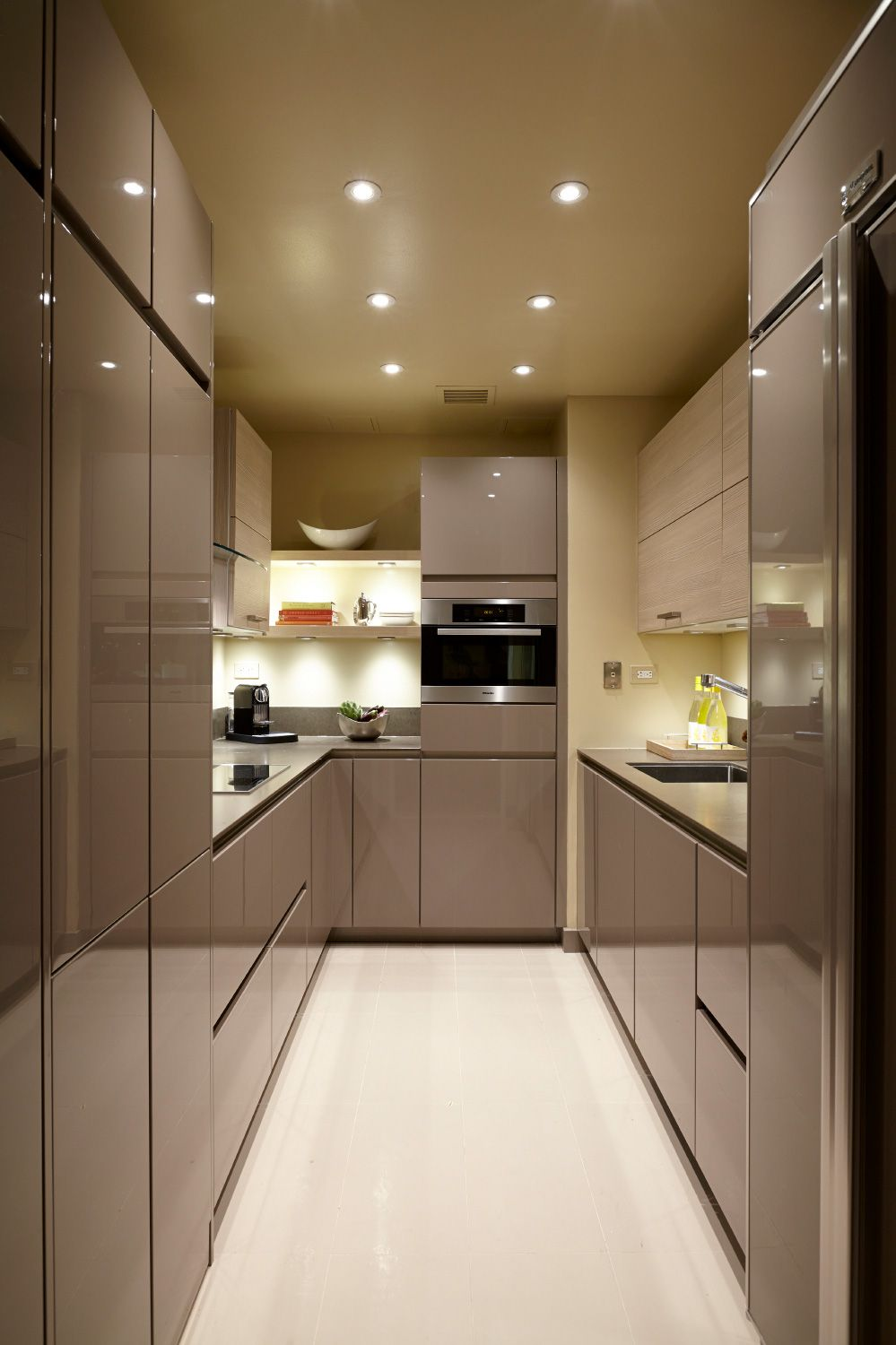 Best 2015 Nkba People S Pick Best Kitchen Small Modern 400 x 300