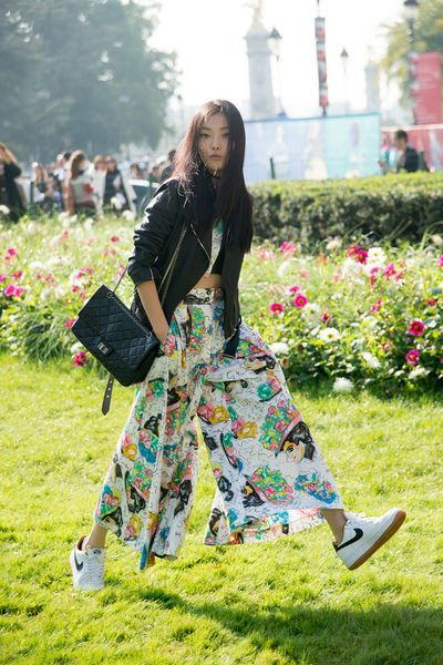 Sneakers: 13 Outfits mit Turnschuhen - GLAMOUR