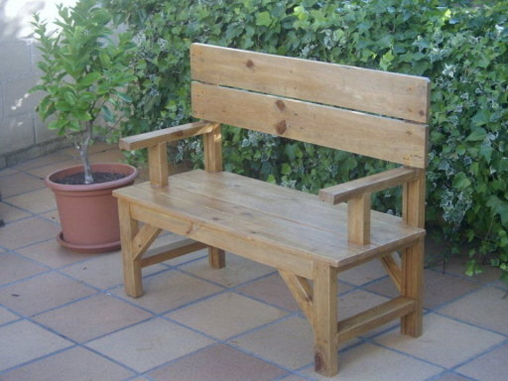 Banco jard n madera y serr n muebles bancos de jard n for Bancos jardin