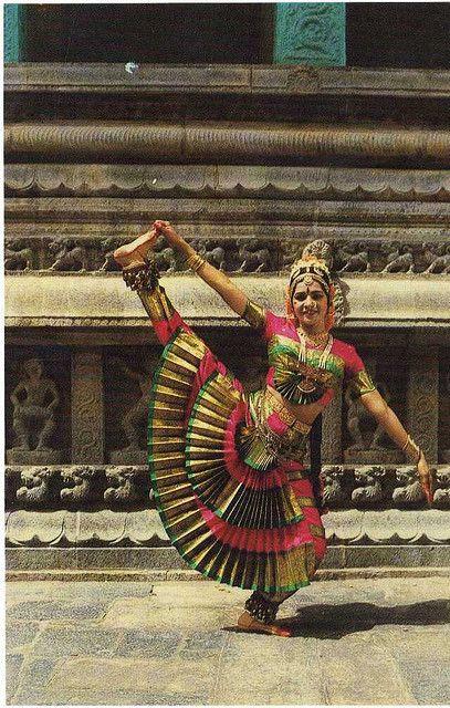 the-india-bharathanatyam-dancer