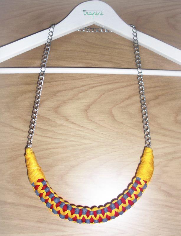 Collar largo de macramé, de trapillo con cadena. Más colores disponibles. Consultar precios y plazos por privado.